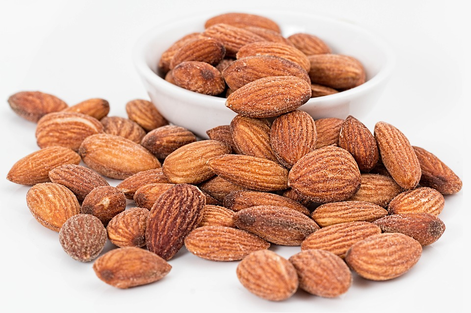 5 Best Foods to Eat for Maintaining Healthy Eyes ALMONDS