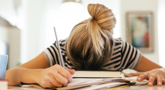5 Ways to Tell You Are Suffering from Work-Life Stress and Why It's Time to Unwind!