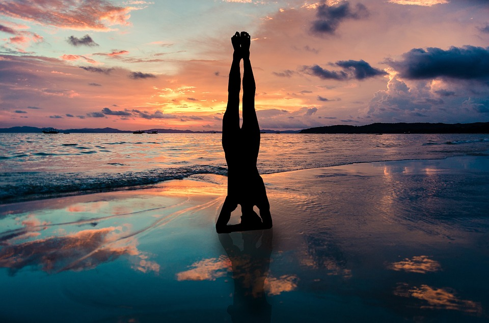 Top Reasons Why Beach Yoga Will Benefit You-Stronger