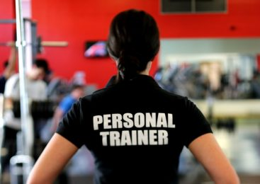 Top 11 Qualities of a Good Personal Trainer! (Things to Consider Before You Hire Them!)
